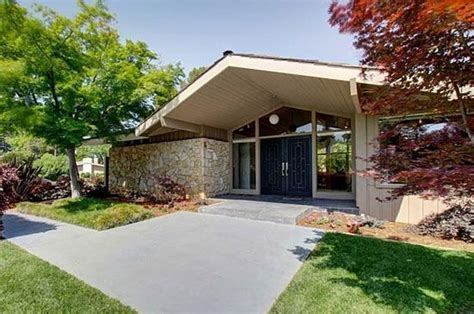 1960s three bedroom midcentury modern property in