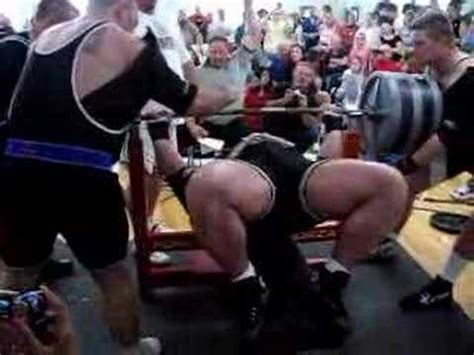 ryan kennelly bench press world record ryan kennelly benches 1070 youtube
