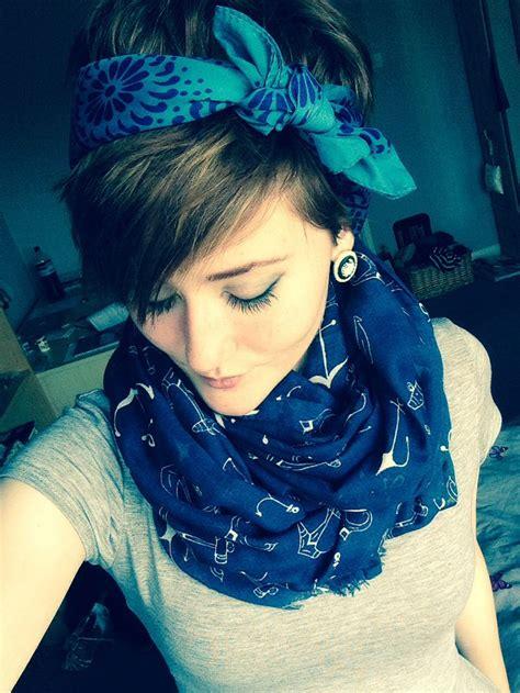 photos of early monica gellar pixie hair style 25 best pixie cut headband ideas on pinterest longer