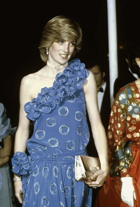 princess diana pinterest fans princess diana s most iconic outfits in photos