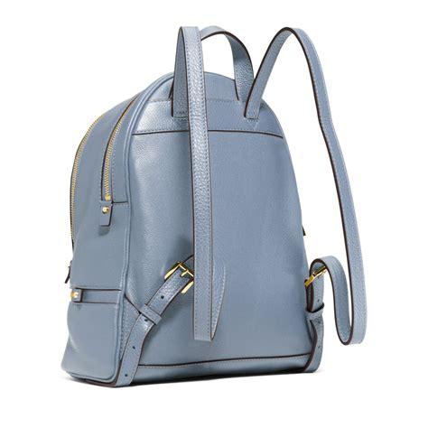 Mk Backpack Rhea Xs 20x17cm michael kors rhea small leather backpack in blue lyst