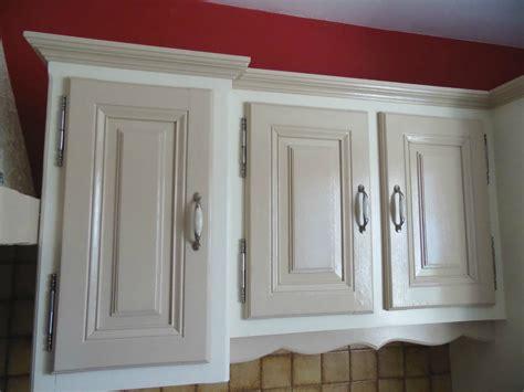 r駭 une cuisine en ch麩e affordable agrable peindre armoire cuisine chene la dco de