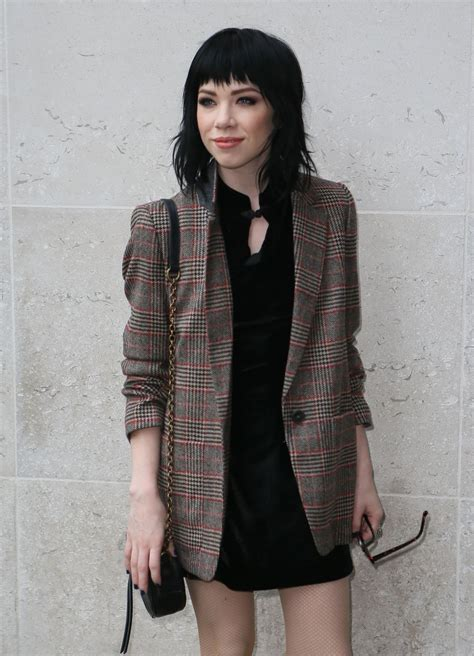 carly rae jepsen new haircut 2015 carly rae jepsen hairstyle 2015 carly rae jepsen latest