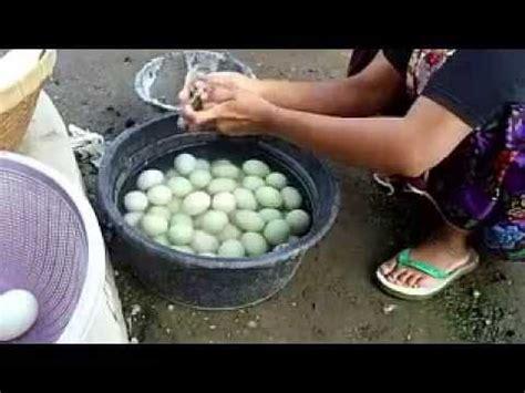 vidio membuat telur asin cara membuat telur asin bakar khas lombok youtube