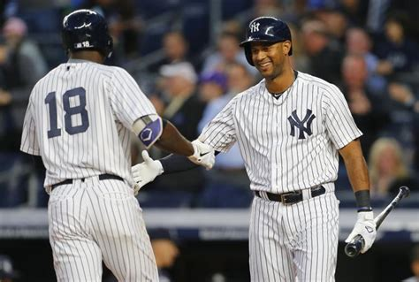 What S Next For Aaron Hicks As Aaron - yankees hicks says shoulder is improving hopes to avoid