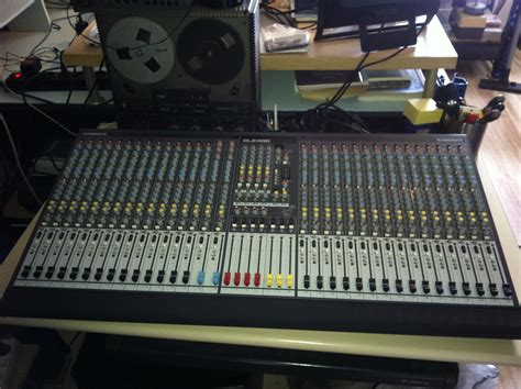 Mixer Allen Heath Gl Series Allen Heath Gl2400 32 Image 878846 Audiofanzine