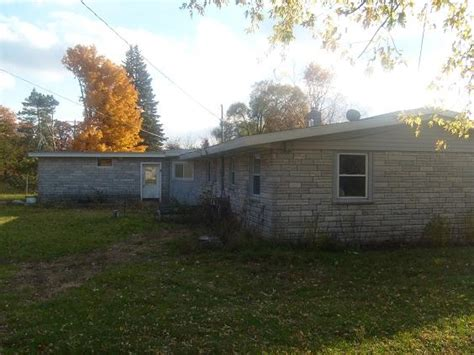 houses for sale in greenville mi 11551 montcalm avenue greenville mi 48838 foreclosed home information reo
