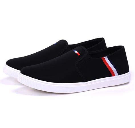 Sepatu Pria Sepatu Casual Santai Adidas Slip On Abu sepatu slip on pria size 44 black jakartanotebook