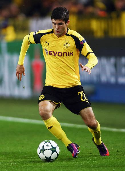christian pulisic borussia christian pulisic photos photos borussia dortmund v