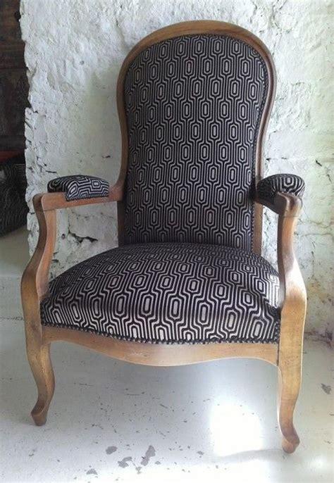 chaise voltaire les 25 meilleures id 233 es de la cat 233 gorie fauteuil voltaire