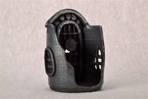 kerzenhalter keramik madeheart gt kerzenhalter aus schwarz ger 228 ucherter keramik
