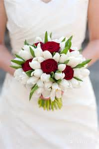 Pink Flower Duvet Cover Red Rose And White Tulip Wedding Bouquet Photograph By Lee