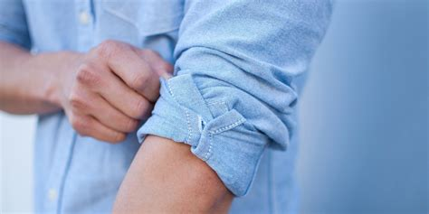 how to my to roll how to correctly roll up your sleeves basics askmen