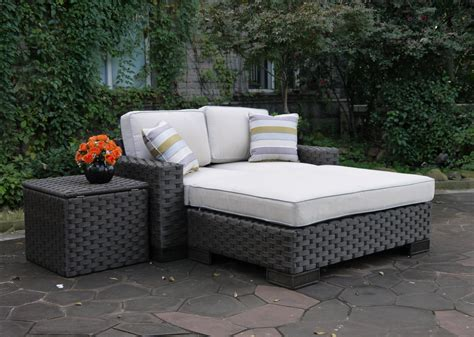 the patio at pastiche hestia wicker daybed set onsight furniture