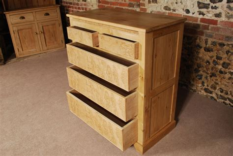 Handmade Pine Furniture - handmade furniture from the oak and pine barn winchester