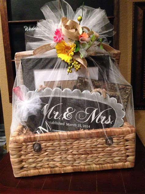Wedding Gift Basket Ideas by Wedding Gift Basket Ideas For And Groom Www