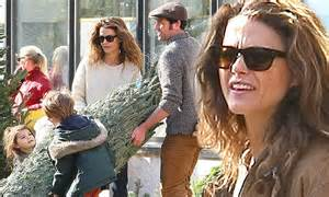 matthew rhys family keri russell joined by matthew rhys and children for