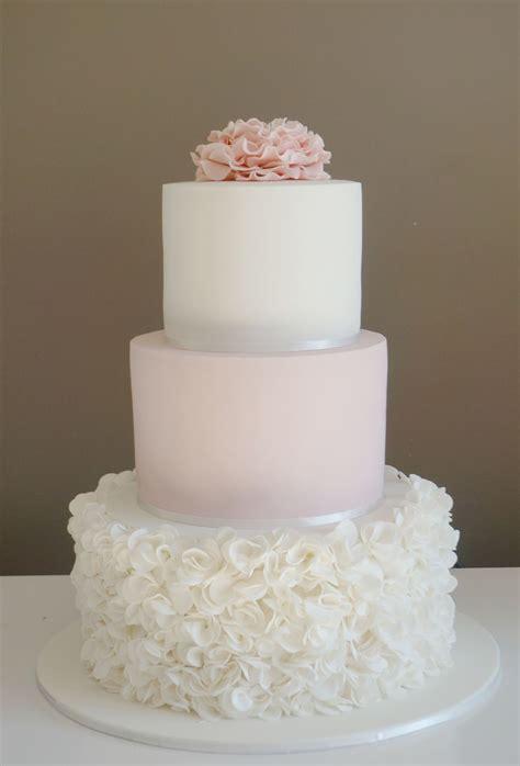 Hochzeitstorte Ivory by Wunderbar Schlicht Pink Ivory