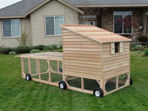 Mobile Chicken Shed by 25 Best Ideas About Chicken Tractors On