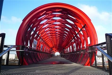 la roche sur yon bridge design scene