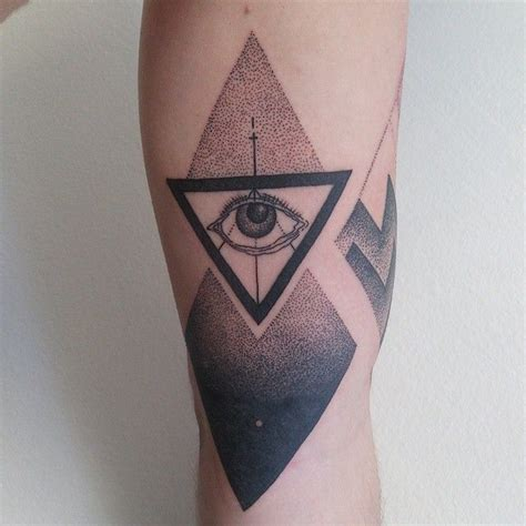 three triangle tattoo 25 best triangle meanings ideas on