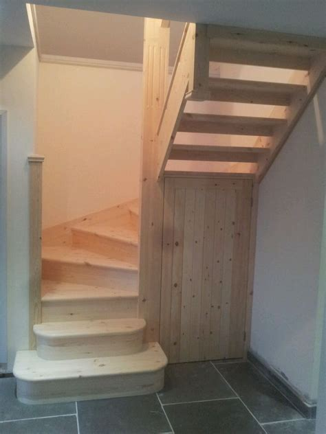 Winder Stairs Design 6 Winder Staircase Made To Measure In Pine 275mm Strings Delivery Options Staircases Pine