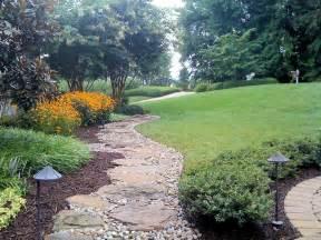 6 simple tips to choosing river rock landscape design
