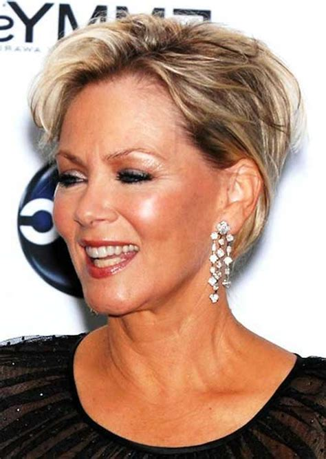 short perky haircuts for women over 50 verjongende korte kapsels voor vrouwen die de 50 zijn