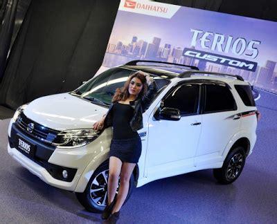 Stiker Sing Custom Terios spesifikasi harga new daihatsu terios custom terbaru autogaya
