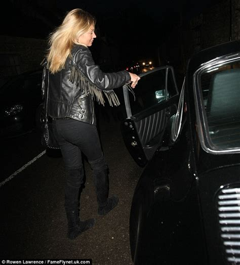Kate Moss Arrives Home To Continue 34 Hour Marathon Birthday by Kate Moss Arrives At Cotswolds Home In Vintage Porsche