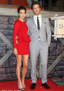 actress elizabeth chambers height johnny depp looks suave at japan premiere of lone ranger