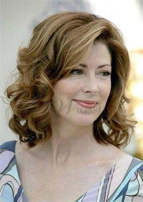 hair cut styles for shoulder length for older women shoulder length with wavy hairstyles for mature or elder