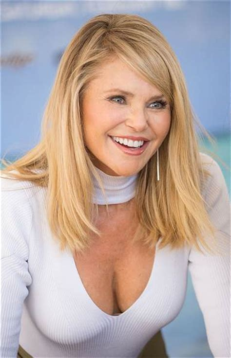 christie brinkley christie brinkley cuts hair into a lob see new