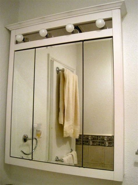 3 Way Bathroom Mirror by 17 Best Ideas About Bathroom Mirror Cabinet On