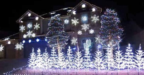 imagenes que se muevan al ritmo de la musica el due 241 o de esta casa hace que las luces navide 241 as se