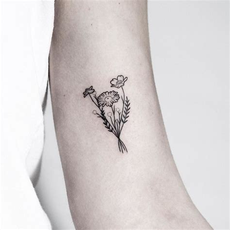 small flowers tattoo 25 beautiful small flower tattoos ideas on
