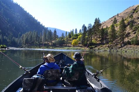 drift boat salmon river experienced steelhead fishing guides salmon river riggins
