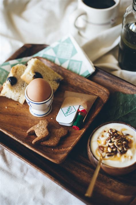 breakfast and bed the anatomy of a perfect breakfast in bed a giveaway