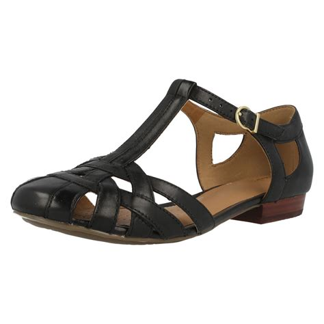 closed toe sandals for clarks leather closed toe sandals henderson luck