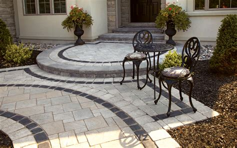 Curved Patio Pavers Walk In Style Front Entrances And Walkways Unilock