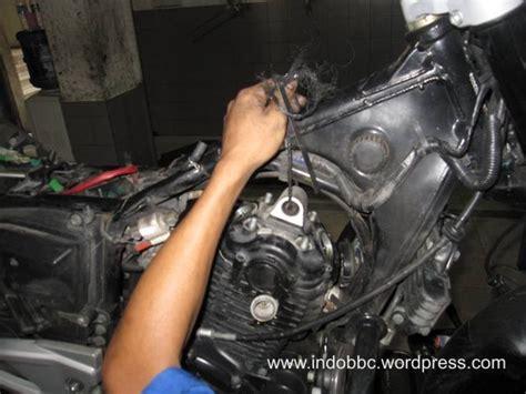 Karet Engine Mounting Mio perhatikan bagian cap camshaft pulsar mu otomotoblog