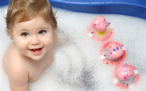 Bathtub Babies by Baby Doesn T Like To Bath 10 Tips For A Calm Baby Bathtime