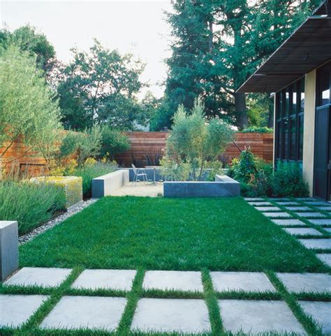 small backyard landscape small garden pictures gallery garden design