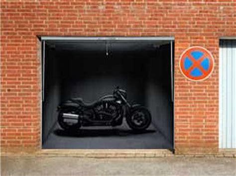 Posters On The Garage Door 35 Pics Izismile Com Garage Door Posters