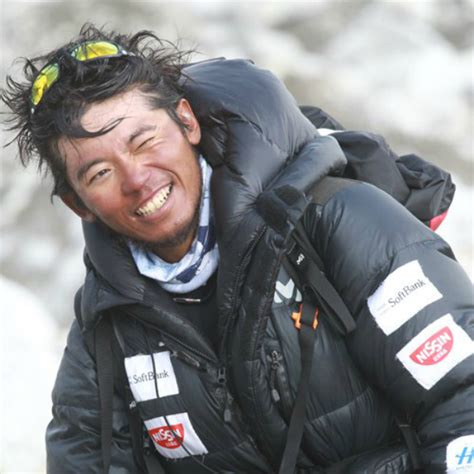 everest film japanese japanese climber with one finger nears mount everest