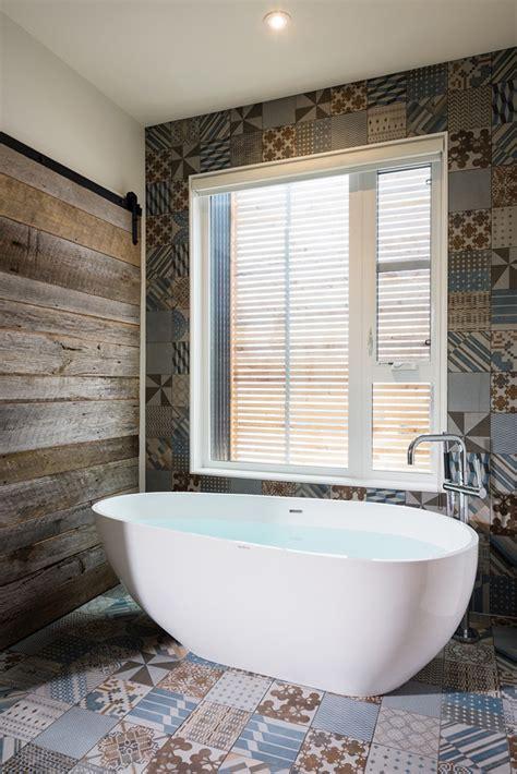 salle de bain avec carreaux ciment ciabiz