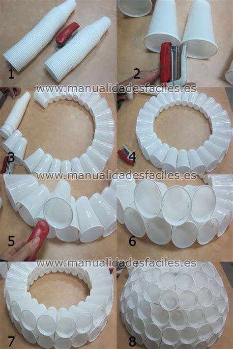 mueco de nieve con pocos vasos de plastico mil artes mujer mu 241 eco de nieve con vasos de pl 225 stico
