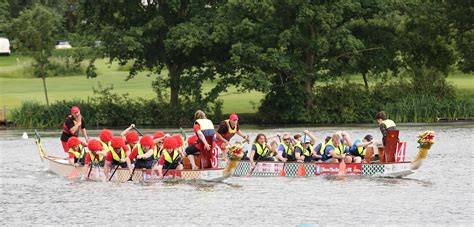 dragon boat racing london rhc dragonboat racing wimbledon really helpful club