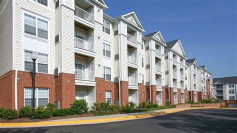 what is appartment the reserve at eisenhower apartments van dorn metro in