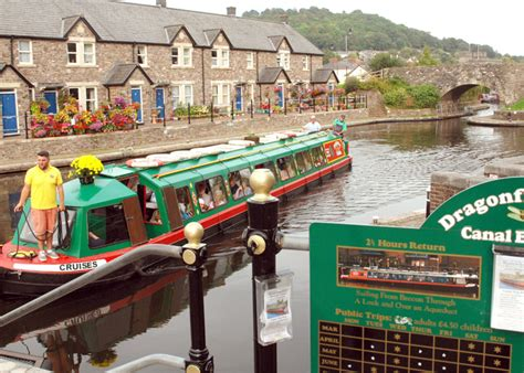 canal boat trips uk dragonfly cruises canal boat trips brecon